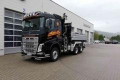 2019-neuer-Volvo-3-Achs-LKW-mit-Kipper-und-Kran_4